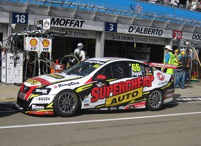 Holden_VE_Commodore_of_Russell_Ingall_2012